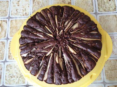 La torta cioccolato e pere è pronta