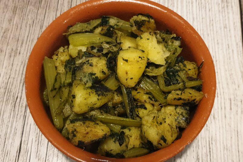 Cicoria e patate saltate in padella