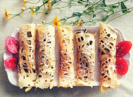 Involtini di crepes a rete con zucchine e parmigiano