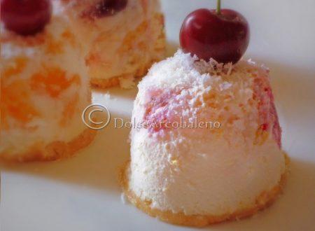 Mini cheesecake alla frutta.