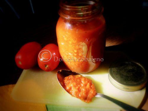 Concentrato di pomodoro, conserve casalinghe.