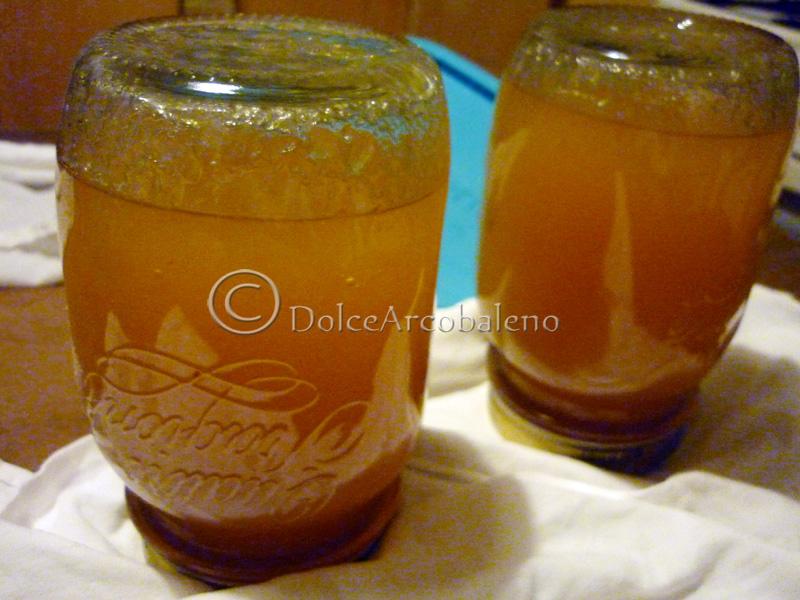 Come sterilizzare i vasetti Marmellata di mele e pesche bianche, conserve casalinghe, by Dolcearcobaleno.