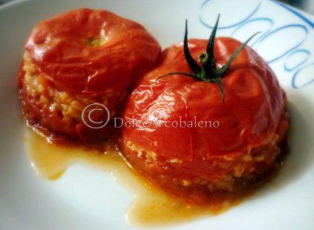 Pomodori ripieni, ricetta vegetariana.