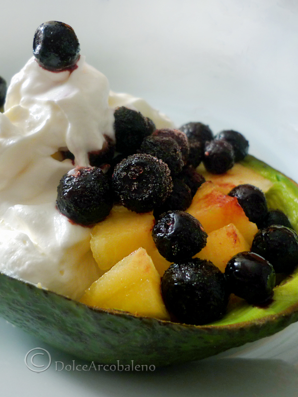 Macedonia esotica di avocado, ricetta dolce. by Dolcearcobaleno
