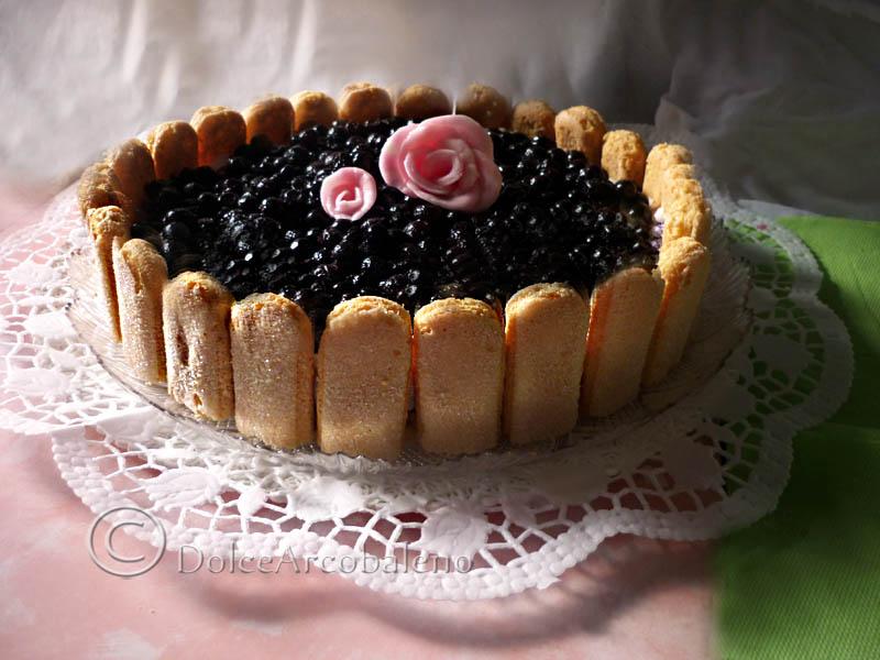 Torta di savoiardi ai mirtilli neri, ricetta dolce._04