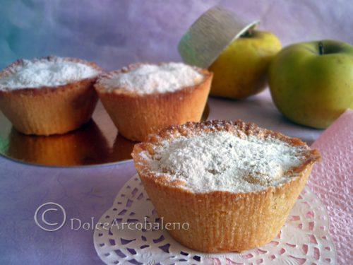 Mini apple cakes with cinnamon