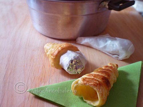 Come fare i cannoli di pasta sfoglia senza stampo