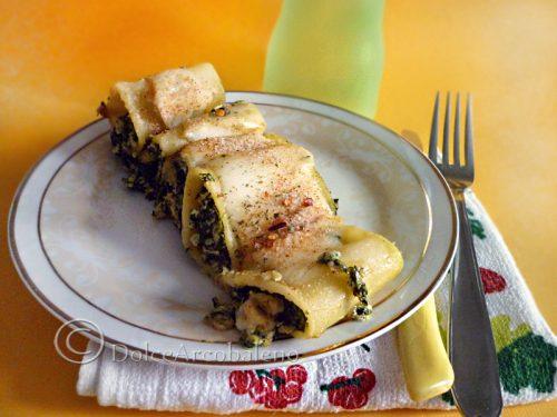 Paccheri piccanti ripieni con spinaci e formaggi