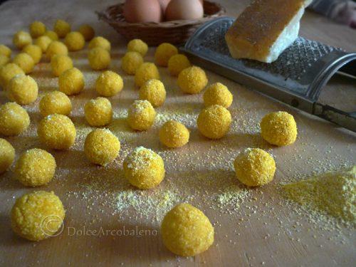Gnocchi di mais uova e parmigiano