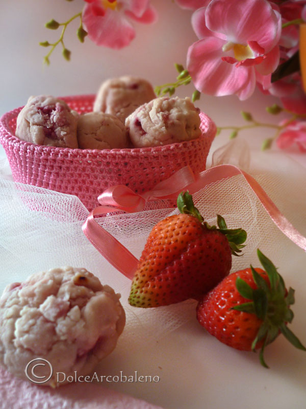 Biscotti fior di fragola by Dolcearcobaleno
