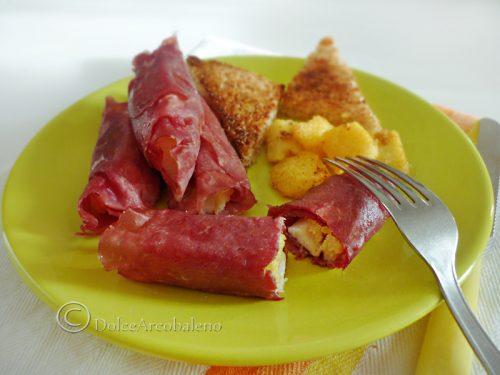 Involtini di bresaola con polenta