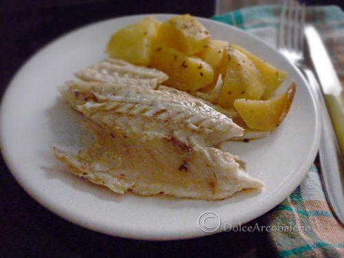 Spigola con patate al cartoccio