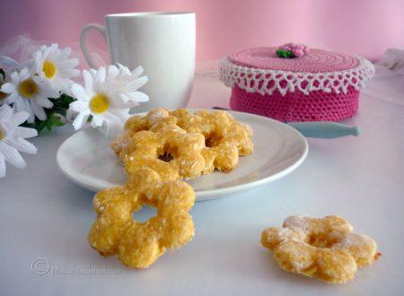 Biscotti frollini al cocco senza burro