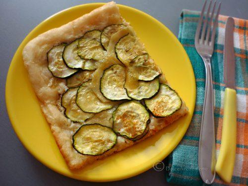 Pizza zucchine e mozzarella sofficissima