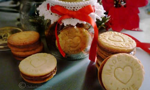 Biscotti ripieni alla nutella con e senza glutine