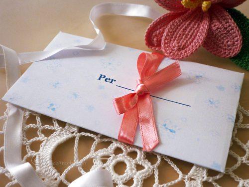 Bustina regalo e bigliettino portafortuna