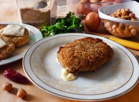 Hamburger di ceci ripieno al formaggio