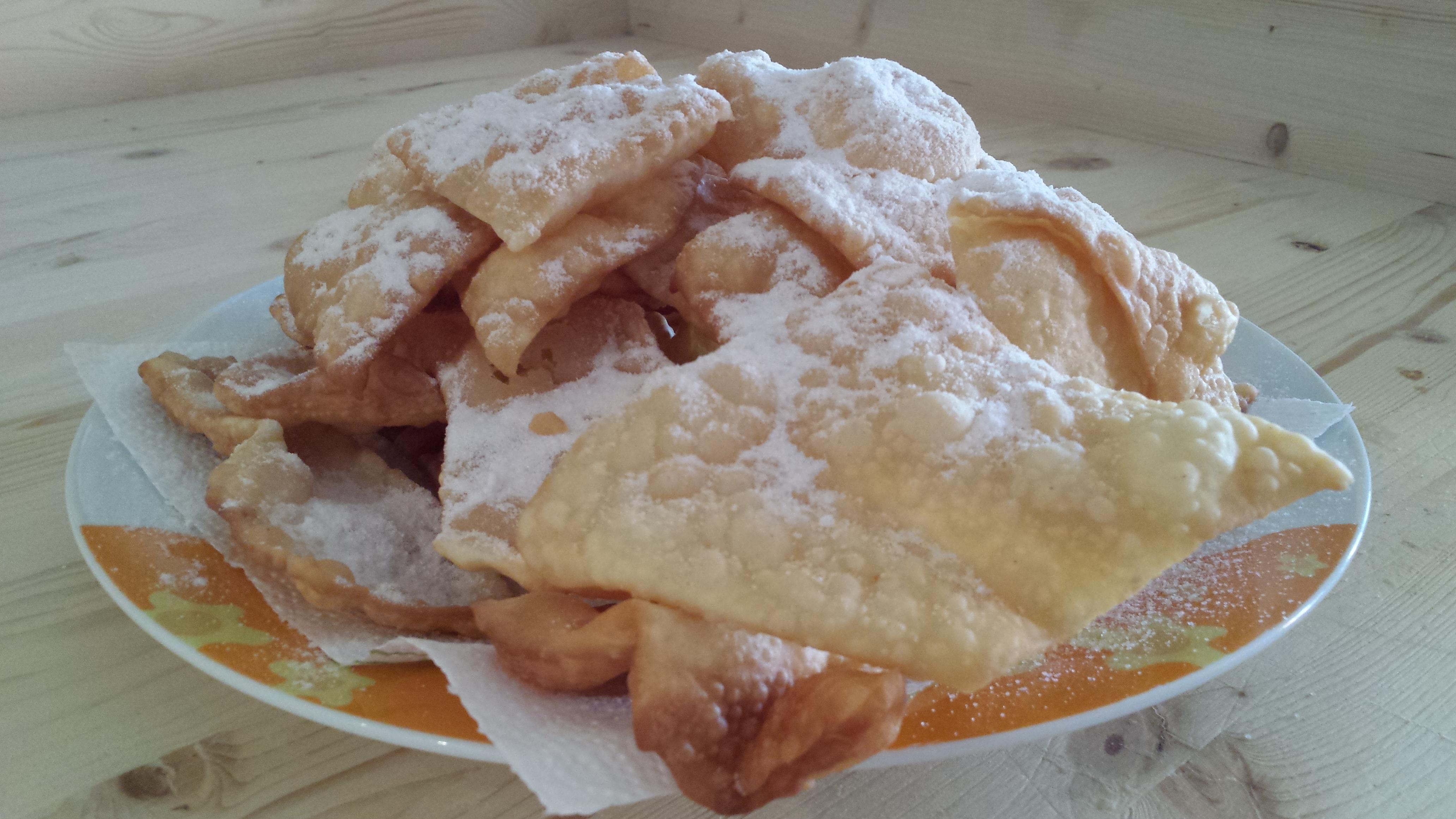 Chiacchere, bugie, frappe, galani e cenci dolci di Carnevale!