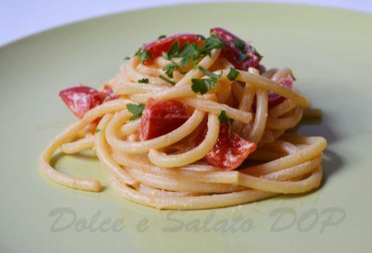 Bucatini ai peperoni, ricetta gustosa