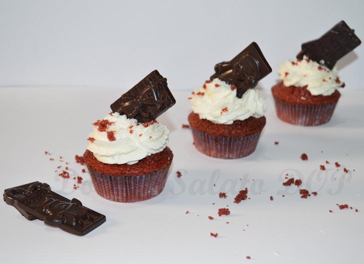 red velvet cupcake tris