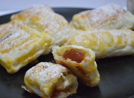 Sfogliatine, ripiene di nutella o marmellata