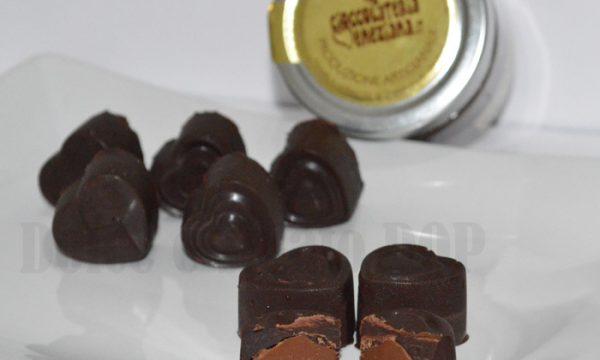 Cioccolatini ripieni alla crema di nocciole, ricetta facile