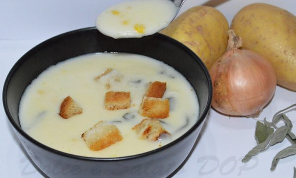 Soup with potato, sweetcorn and cheese