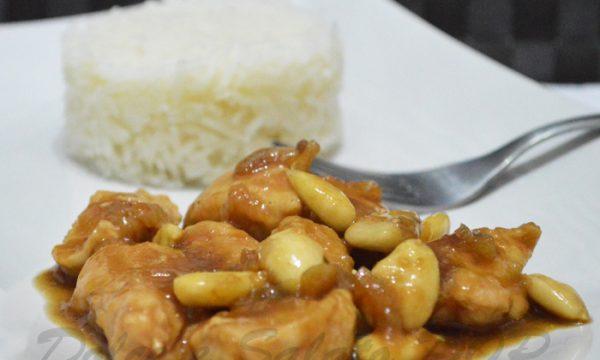 Pollo alle mandorle, cucina cinese