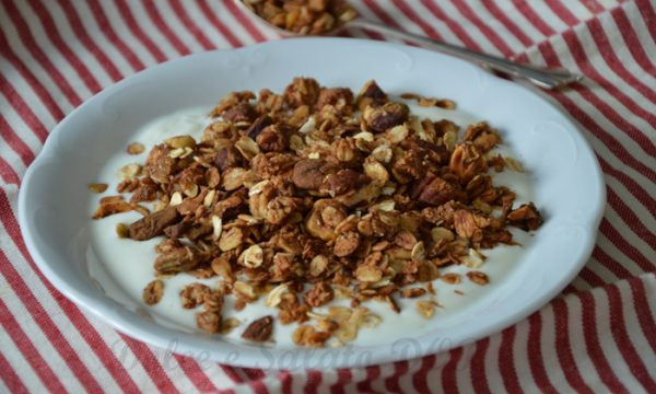 Granola, ricetta per la colazione