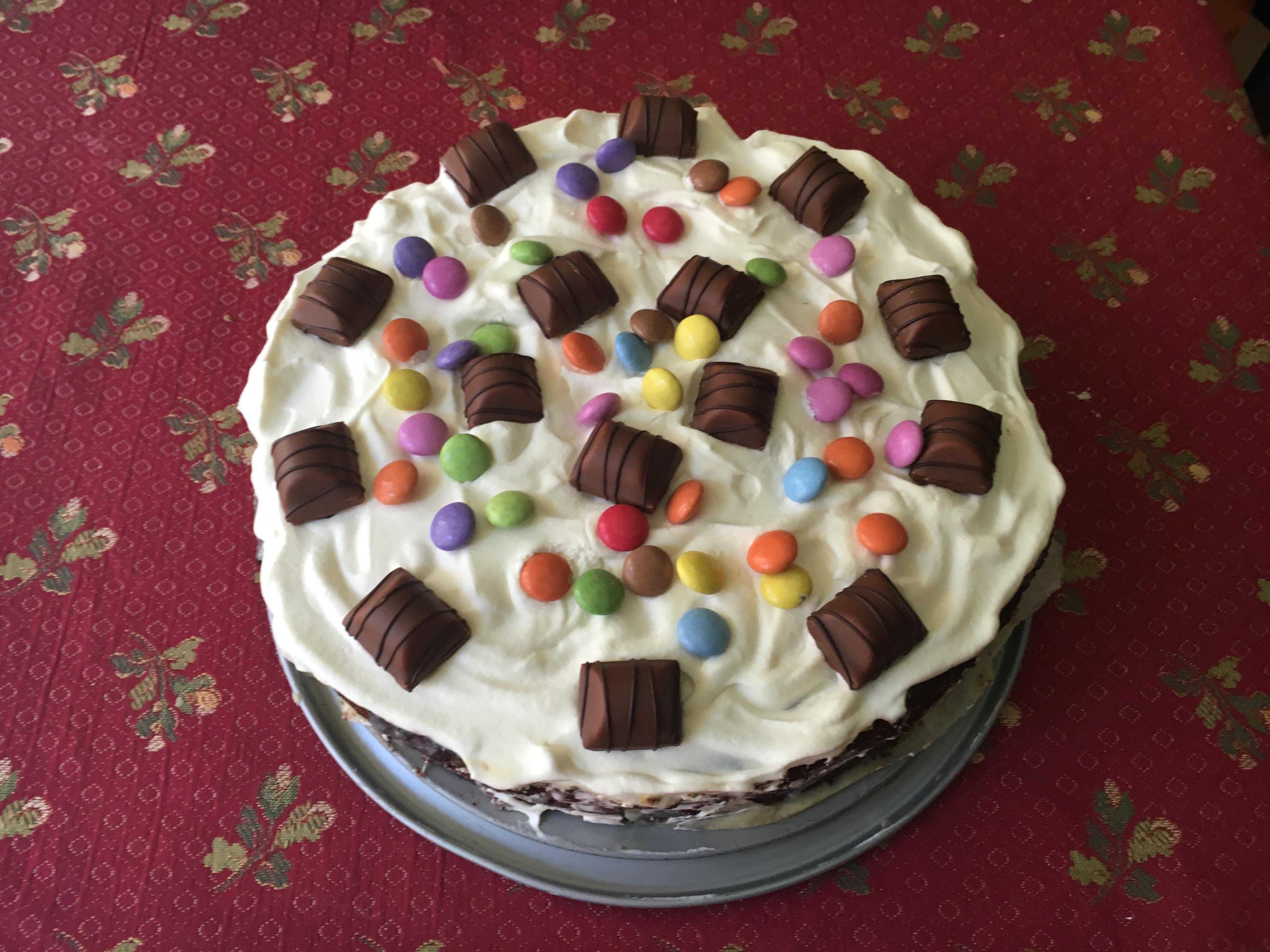 Torta fondente con crema al cioccolato bianco