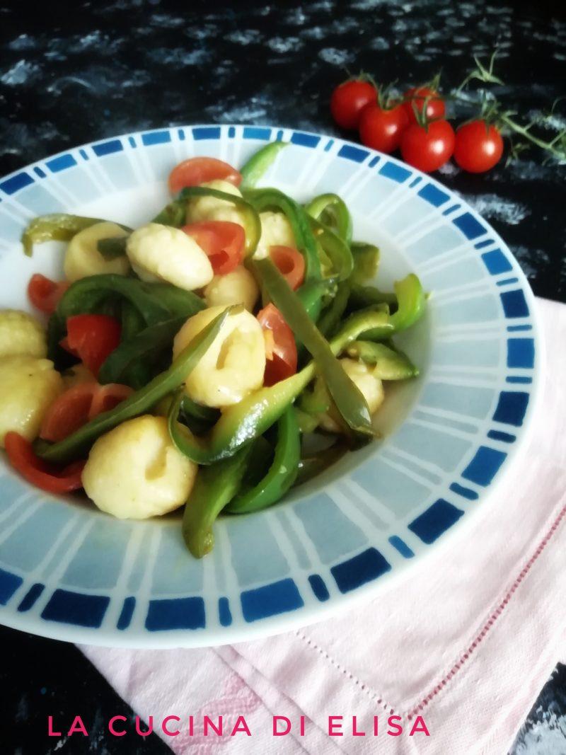 gnocchi peperoni e pomodorini