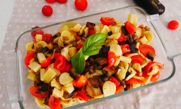 Orecchiette con melanzane, pomodorini e Montasio