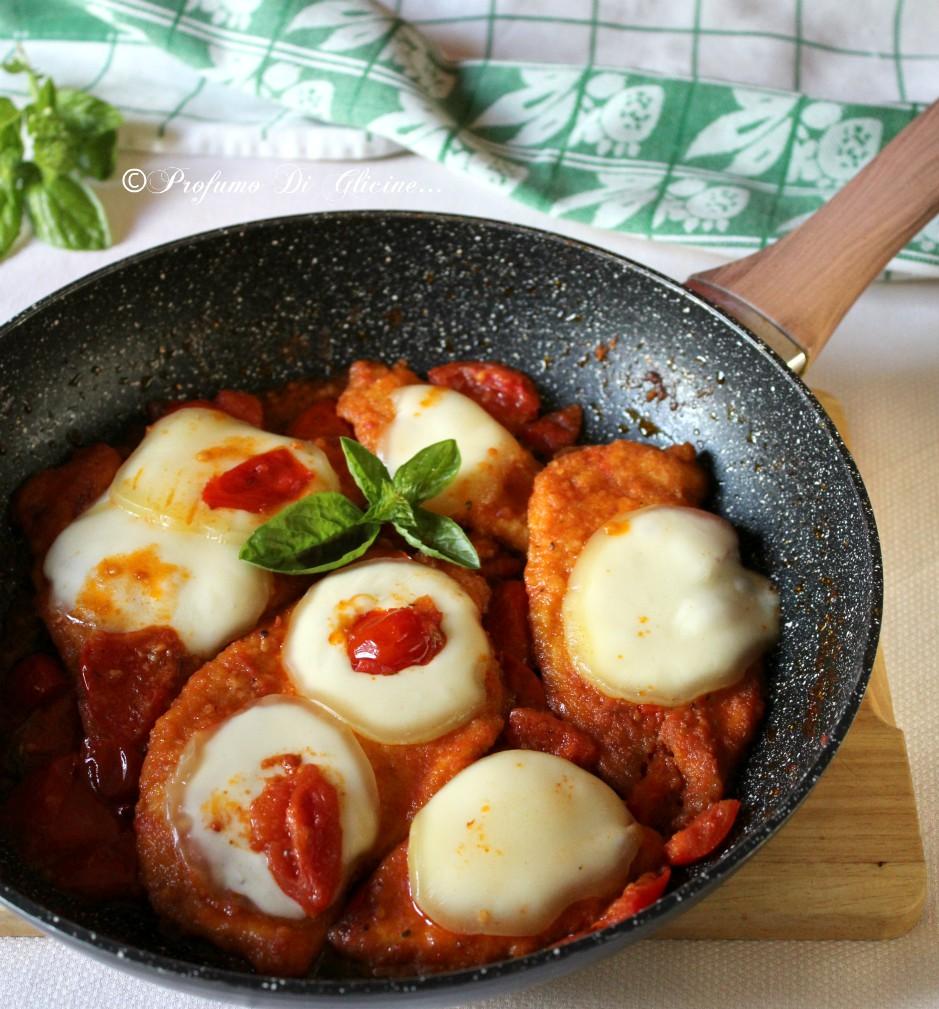 Cotoletta di pollo alla pizzaiola