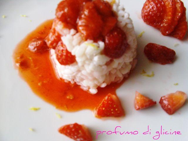 riso con fragole-piatto semplice e fresco per l'estate