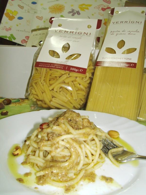 spaghetti alle nocciole ricetta semplicissima nella cucina di profumo di glicine