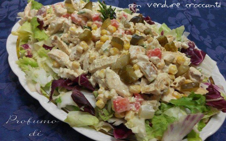 Pollo in insalata con verdure croccanti