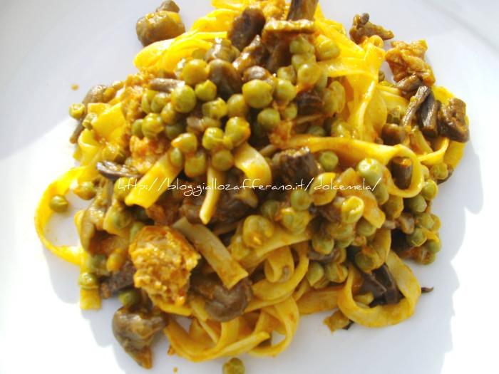 le fettuccine di pasta fresca