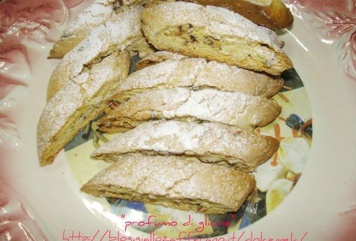 Biscotti nocciole e cioccolato – ricetta semplice