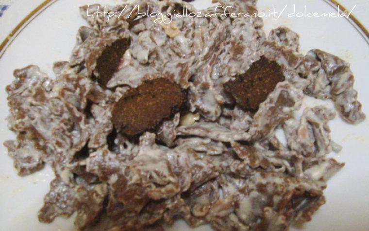 Mafaldine con farina di castagne e cacao al sugo di gorgonzola e speck