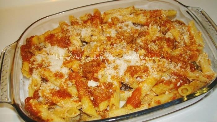 Pasta al forno con polpettine-ricetta pasta al forno