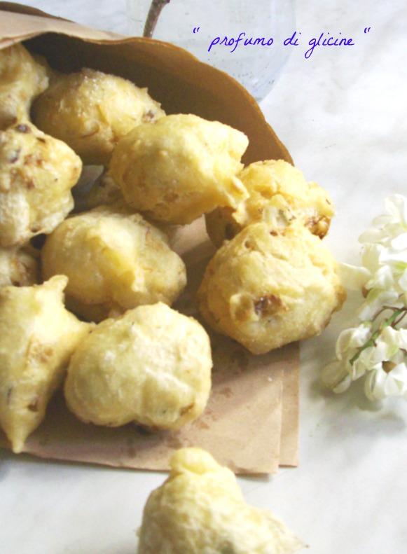 Frittelle con fiori di robinia ricetta con lievito madre da profumo di glicine