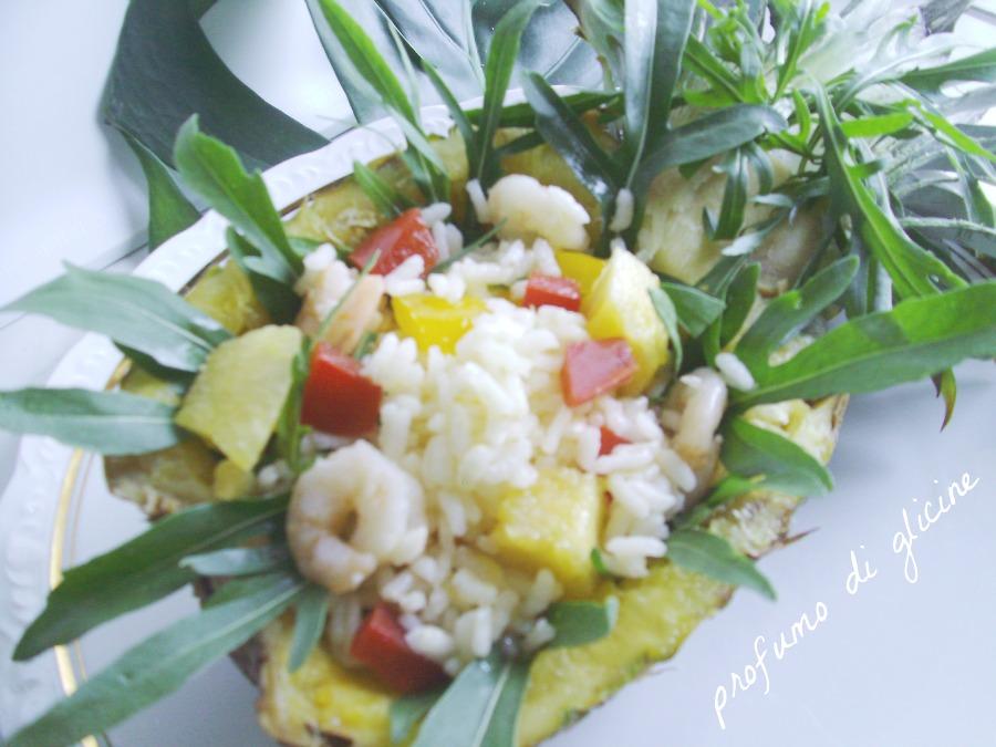 insalata esotica con riso,gamberi e ananas