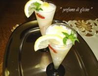 sorbetto al limone variegato alla fragola da profumo di glicine