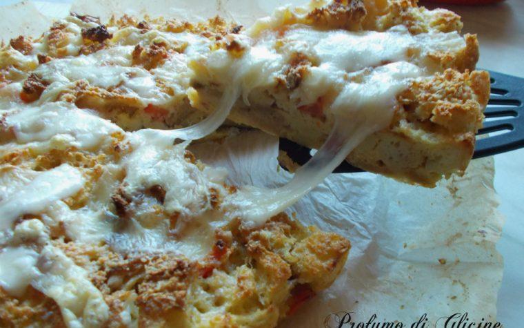 Pizza di pane raffermo ∼ ricetta riciclo