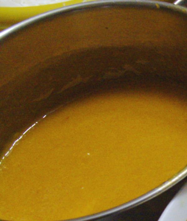 gelatina di albicocche nella cucina di profumo di glicine