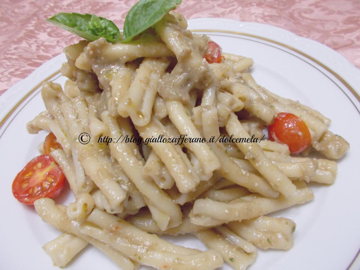 Ricetta pasta con pesto di melanzane