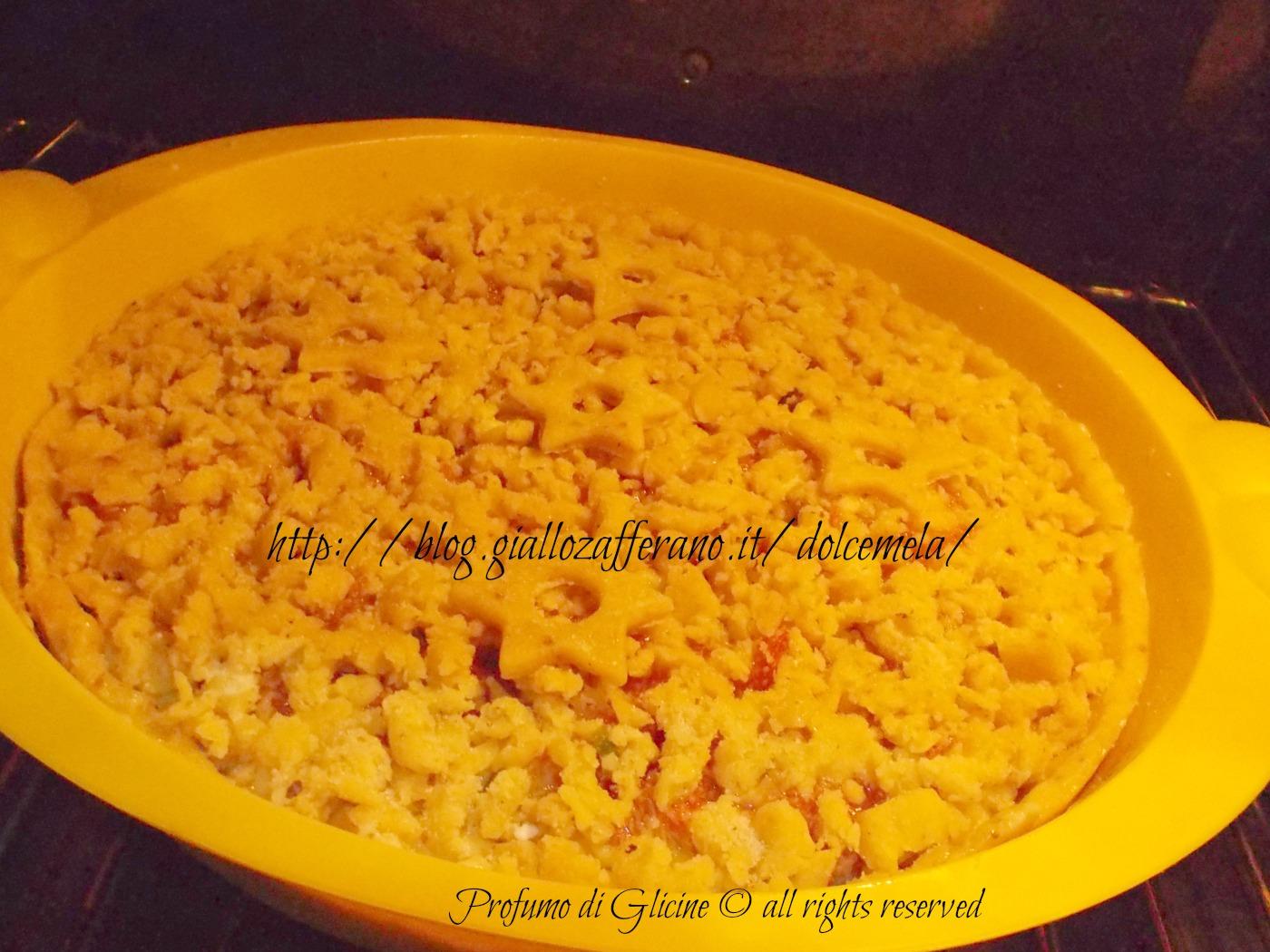 crostata sbriciolata con amaretti e fichi ricetta dolce nella cucina di profumo di glicine