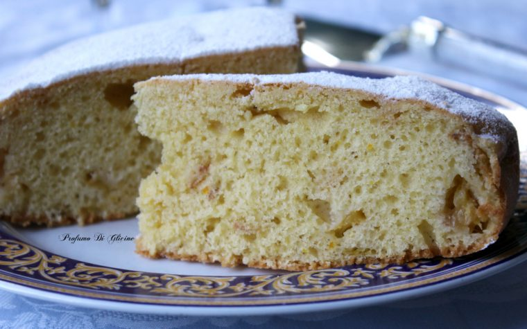 Torta soffice con yogurt e prugne (susine)