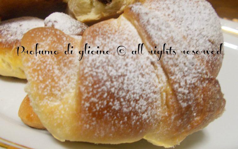 Cornetti di pan brioche alla nutella – ricetta con lievito madre