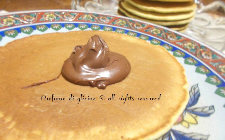 Pancakes ai fiori di zucca e nutella – ricetta dolce